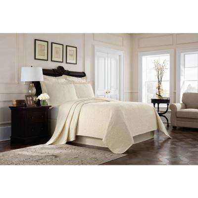 Williamsburg Richmond Ivory Queen Coverlet