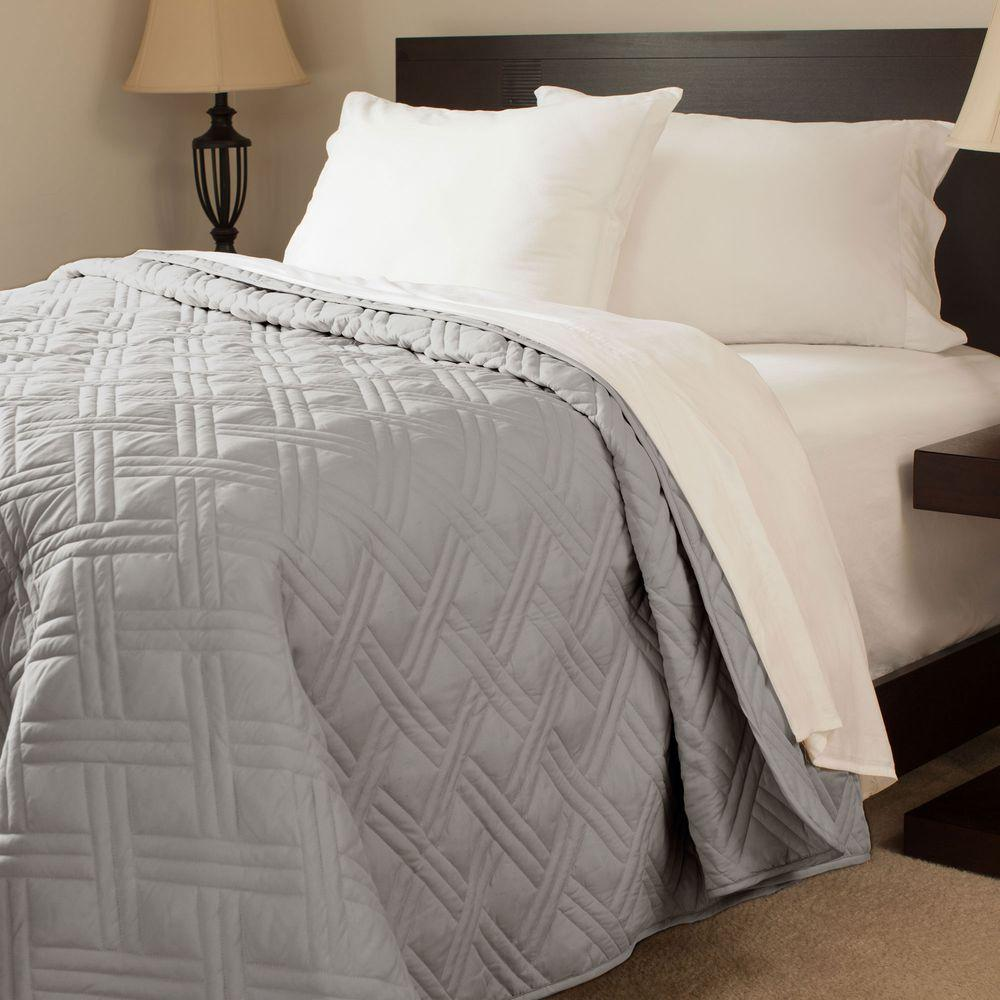 Lavish Home Solid Color Silver Twin Bed Quilt 66 40 T S The Home Depot