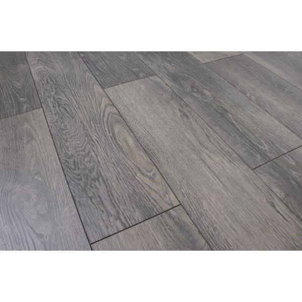 Home Decorators Collection Willoughby Oak 12mm Thick X 8 03 In Wide X 47 64 In Length Laminate Flooring 15 94 Sq Ft Case 361241 2k382 The Home Depot