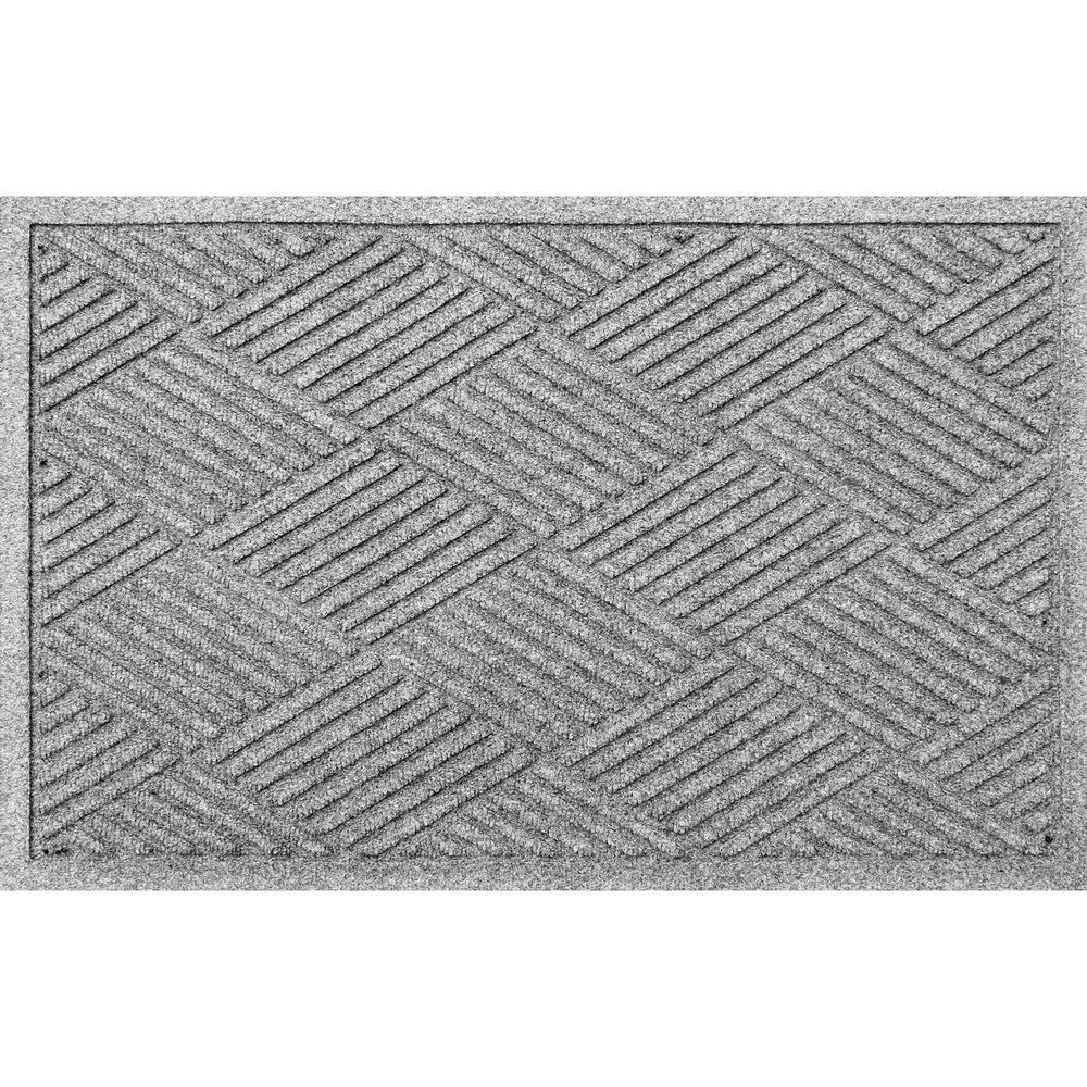Diamonds 23 in. x 35 in. PET Polyester Mat Medium Gray