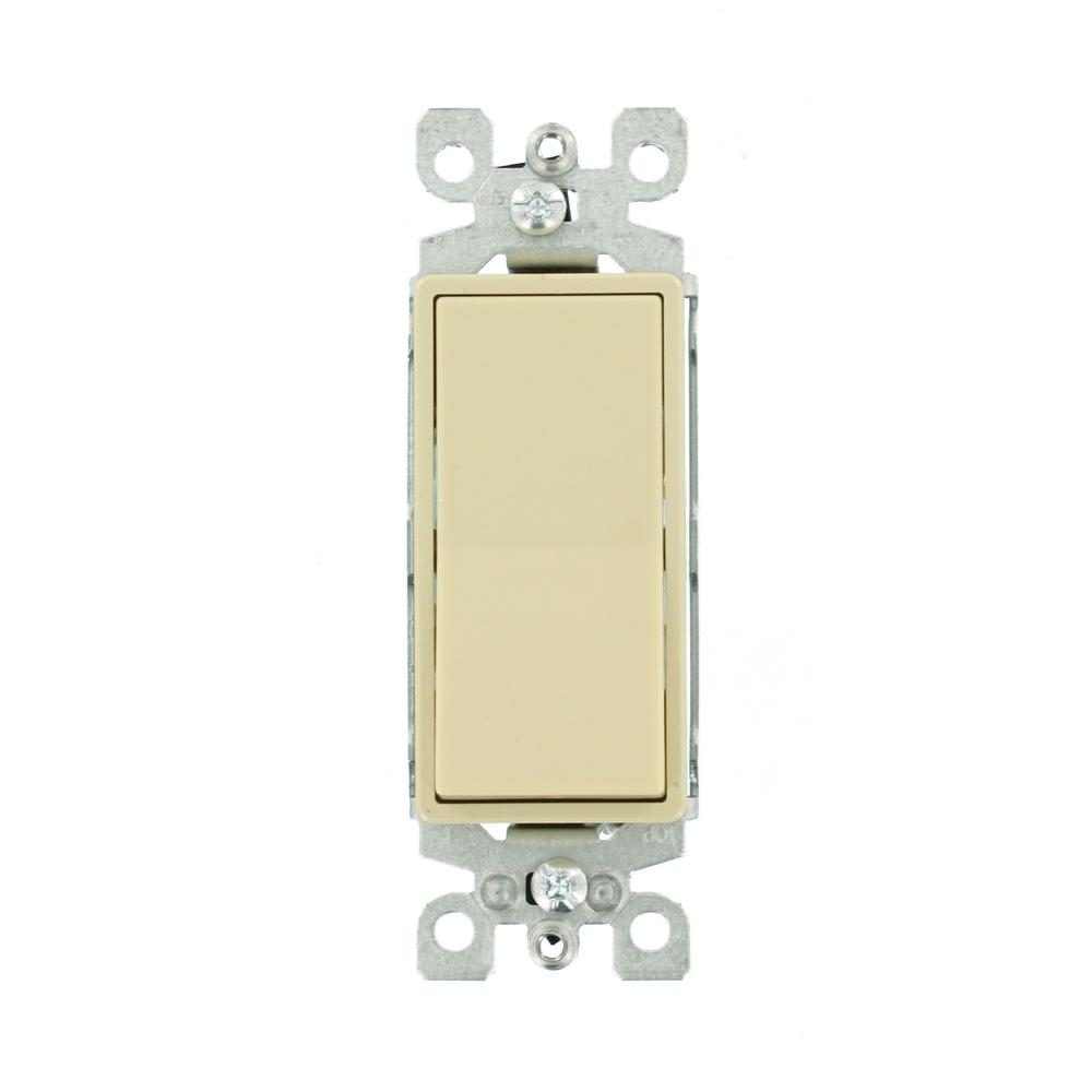 Leviton 15 Amp Decora Residential Grade 3Way Lighted Rocker Switch