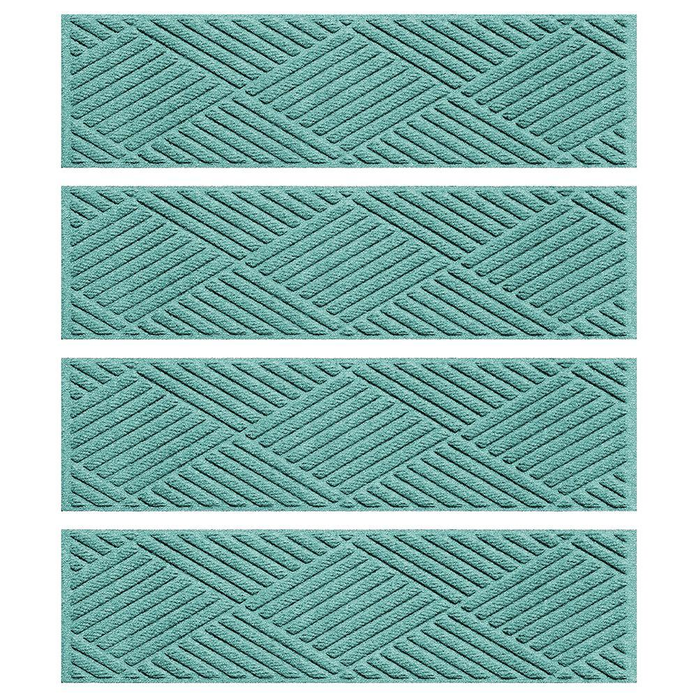 Aquamarine 8.5 in. x 30 in. Diamonds Stair Tread Cover (Set