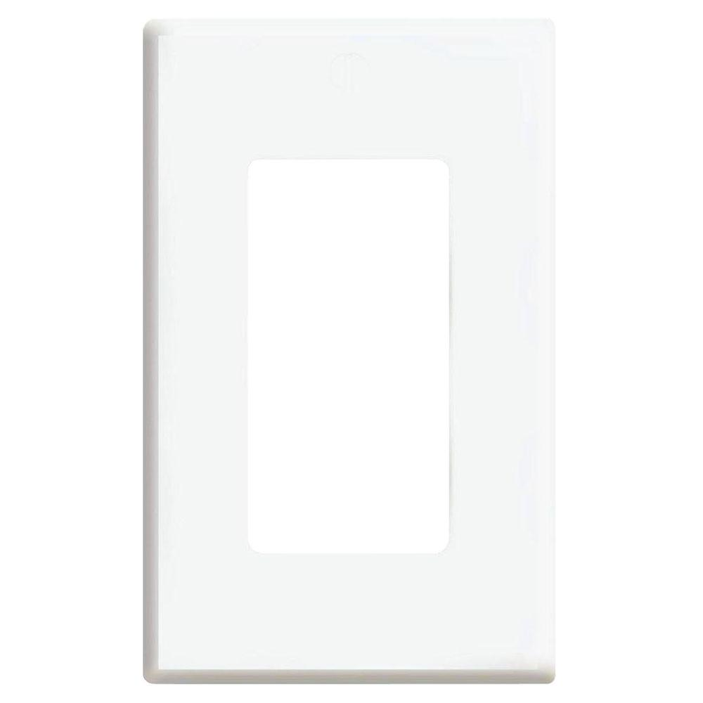 Leviton Plus 1 Gang Screwless Snap On Decora Wall Plate White R72 80301 00w The Home Depot