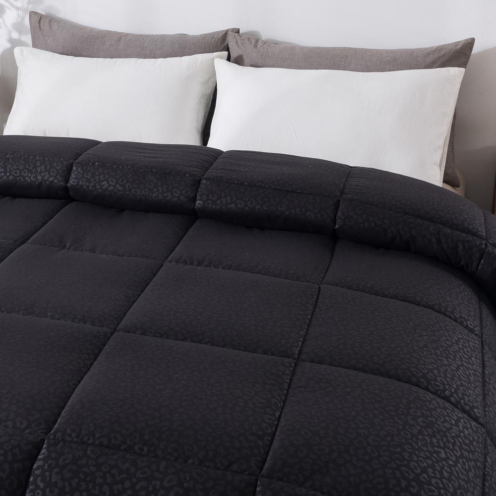 Cheetah Embossed Black Full/Queen Down Alternative Comforter