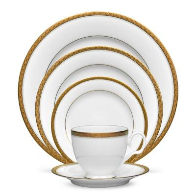 Charlotta 5-Piec Gold White Porcelain Place Setting