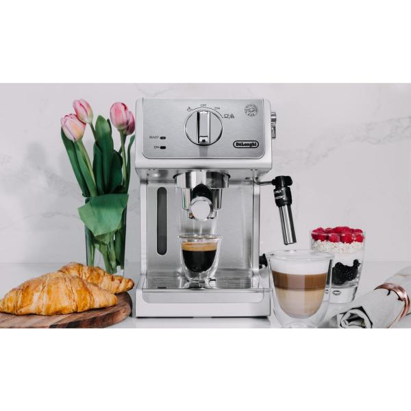 DeLonghi-15-Bar Stainless Steel Espresso Machine and Cappuccino Maker