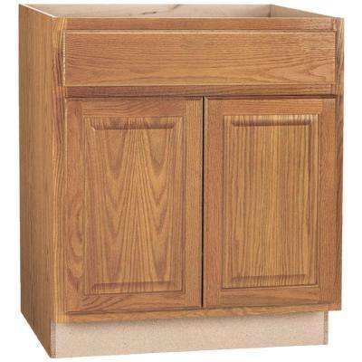 Hampton Assembled 30x34.5x24 in. Base Kitchen Cabinet with Ball-Bearing Drawer Glides in Medium Oak