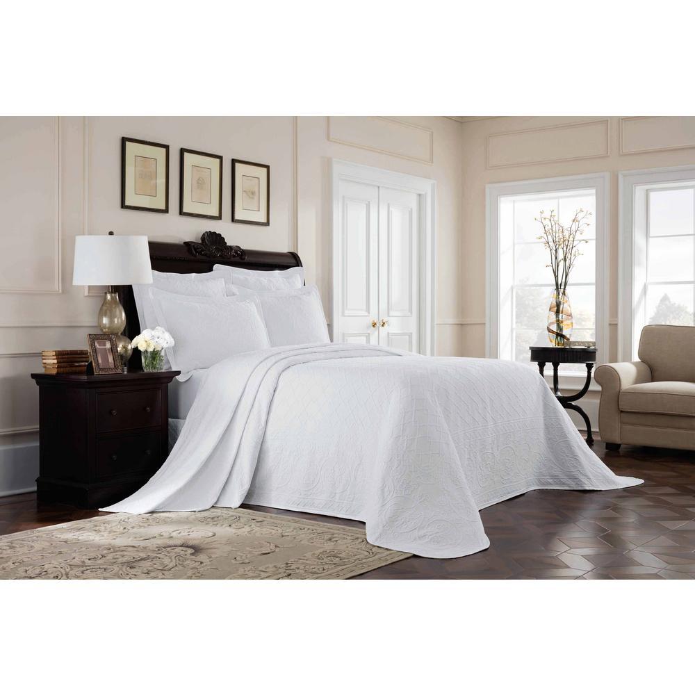 Williamsburg Richmond White Queen Bedspread