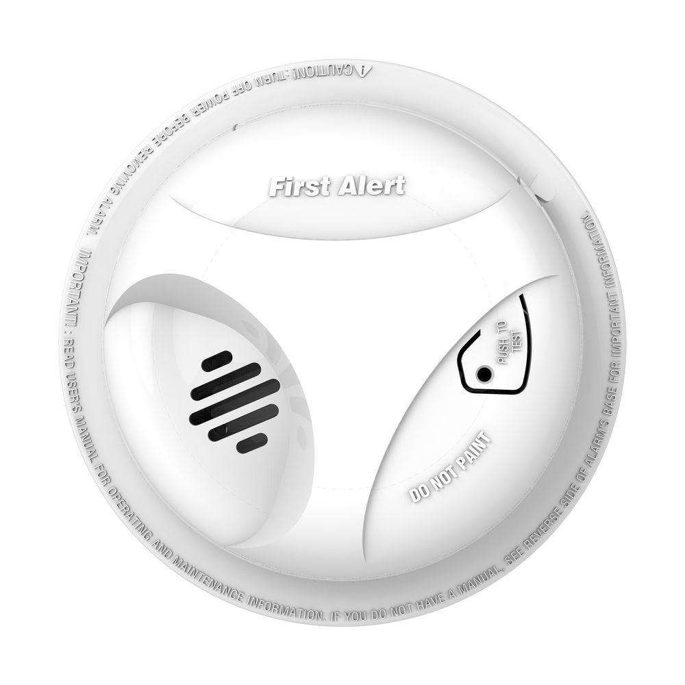 First Alert Battery Operated Smoke Detector Alarm 1039796 The