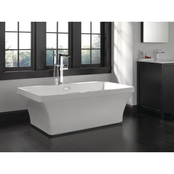 Delta Everly 60 In Acrylic Flatbottom Bathtub With Integrated Waste And Overflow In White B14451 6032 Wh The Home Depot