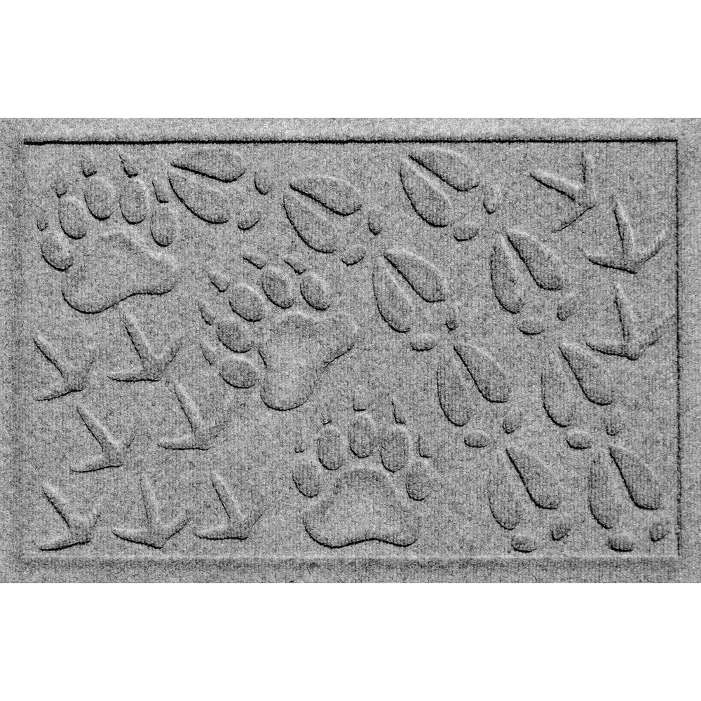 Bungalow Flooring Aqua Shield Animal Tracks Medium Grey 17.5 in. x 26.5 in. Pet Mat