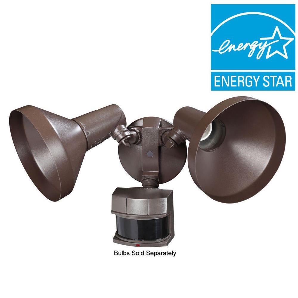 Heath Zenith 240-Degree Outdoor Motion-Sensing Security Light