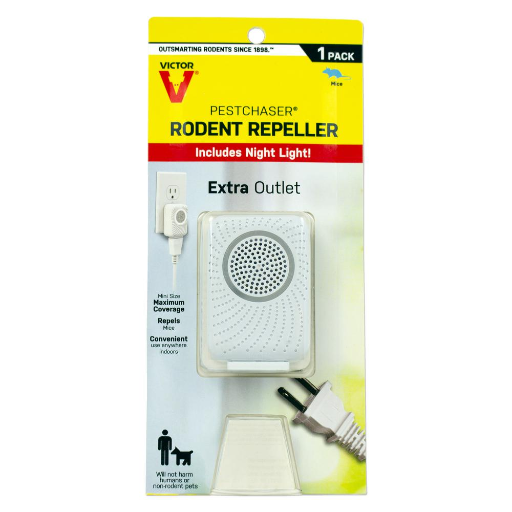 Victor PestChaser Rodent Repeller with Nightlight and Extra Outlet