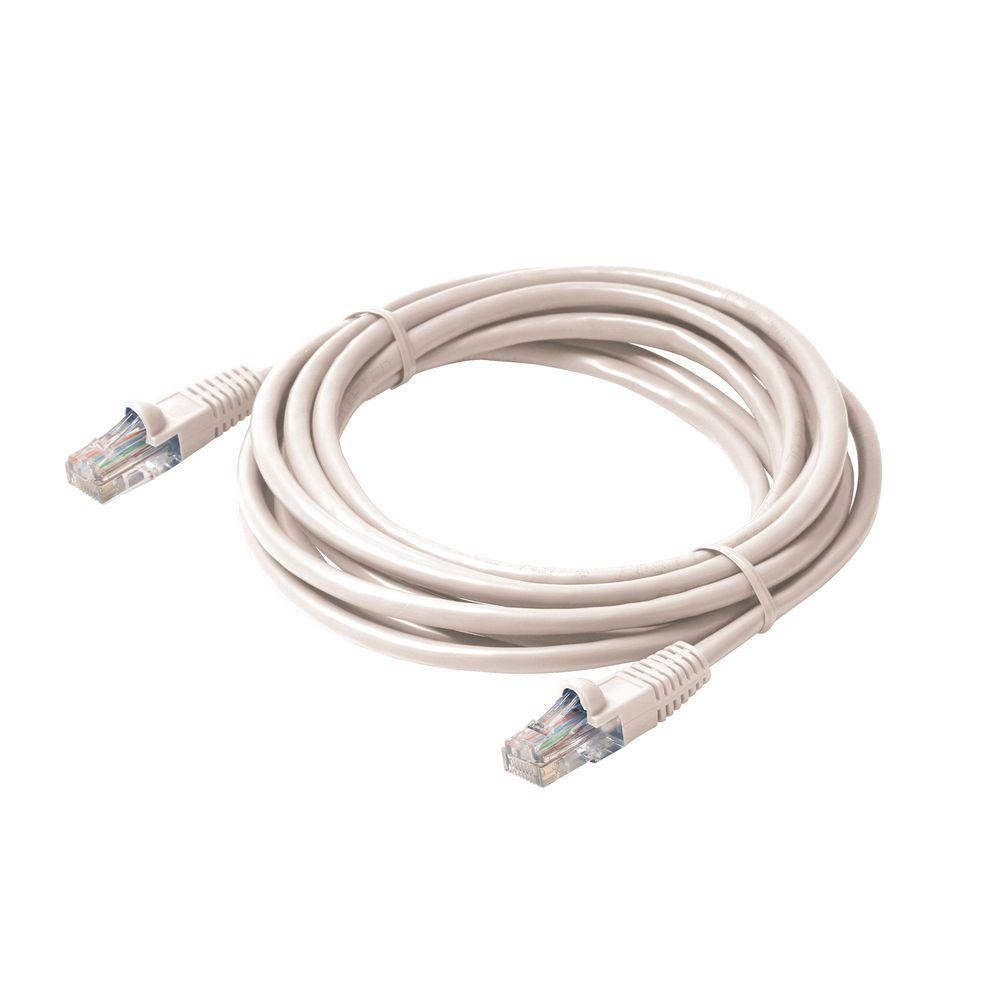 Steren 3 ft  Molded Cat5E UTP Patch Cord - White