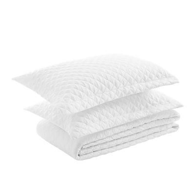 3-Piece White Quilted Microfiber King Comforter Set (1x Comforter, 2x Pillow Shames)