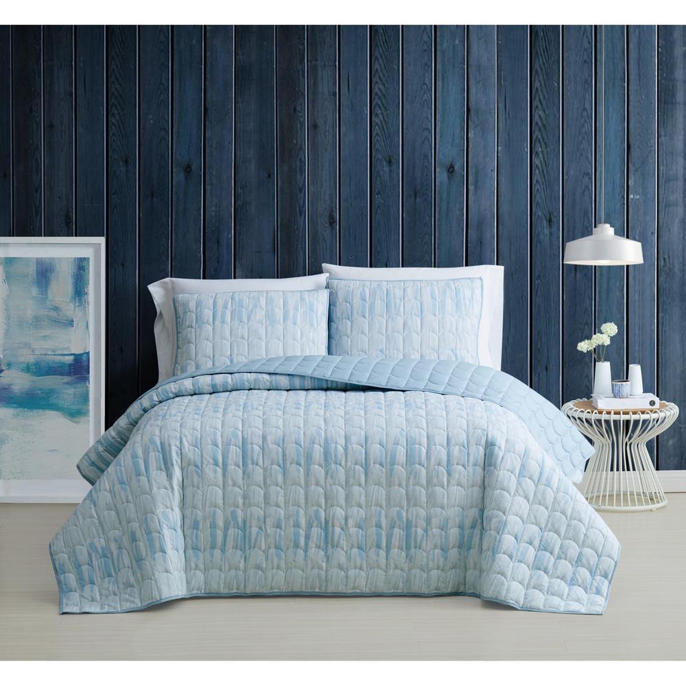 Trevor Blue and White Cotton 3-Piece King Quilt Set