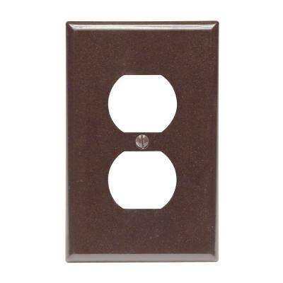 1-Gang 1 Duplex Receptacle, Midway Size Plastic Wall Plate - Brown