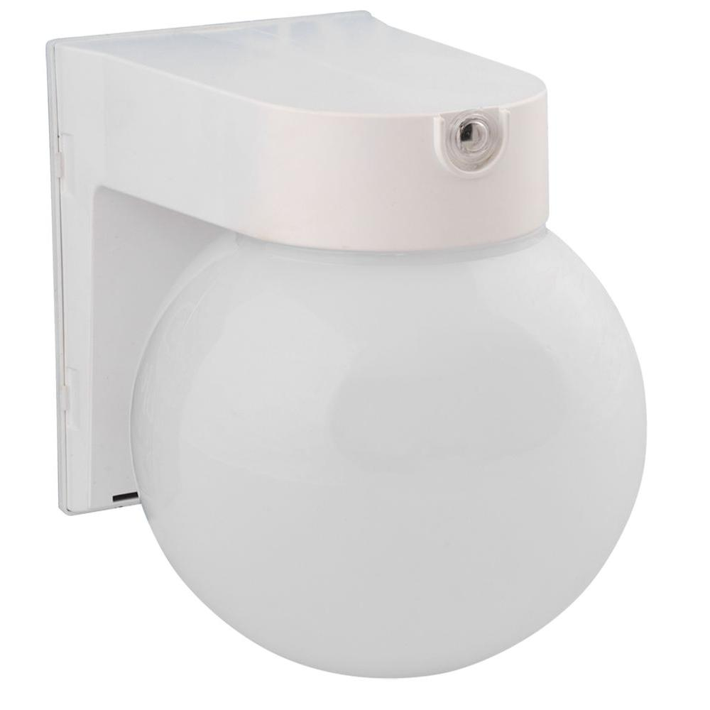 Amax Lighting Globe Porch SLR White Outdoor Wall Fixture