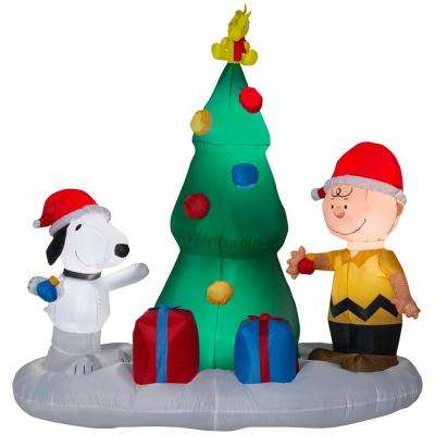 w pre lit led inflatable snoopy and charlie with christmas tree airblown - Snoopy Blow Up Christmas Decorations
