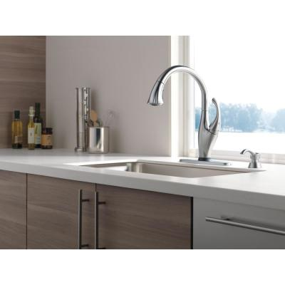 Addison Single-Handle Pull-Down Sprayer Kitchen Faucet with Touch2O Technology and MagnaTite Docking in Arctic Stainless