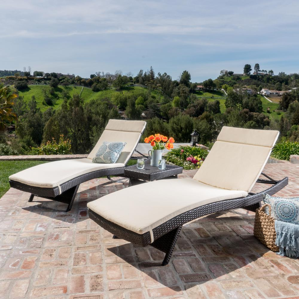 Salem Multi-Brown 5-Piece Wicker Outdoor Chaise Lounge with Beige Cushions