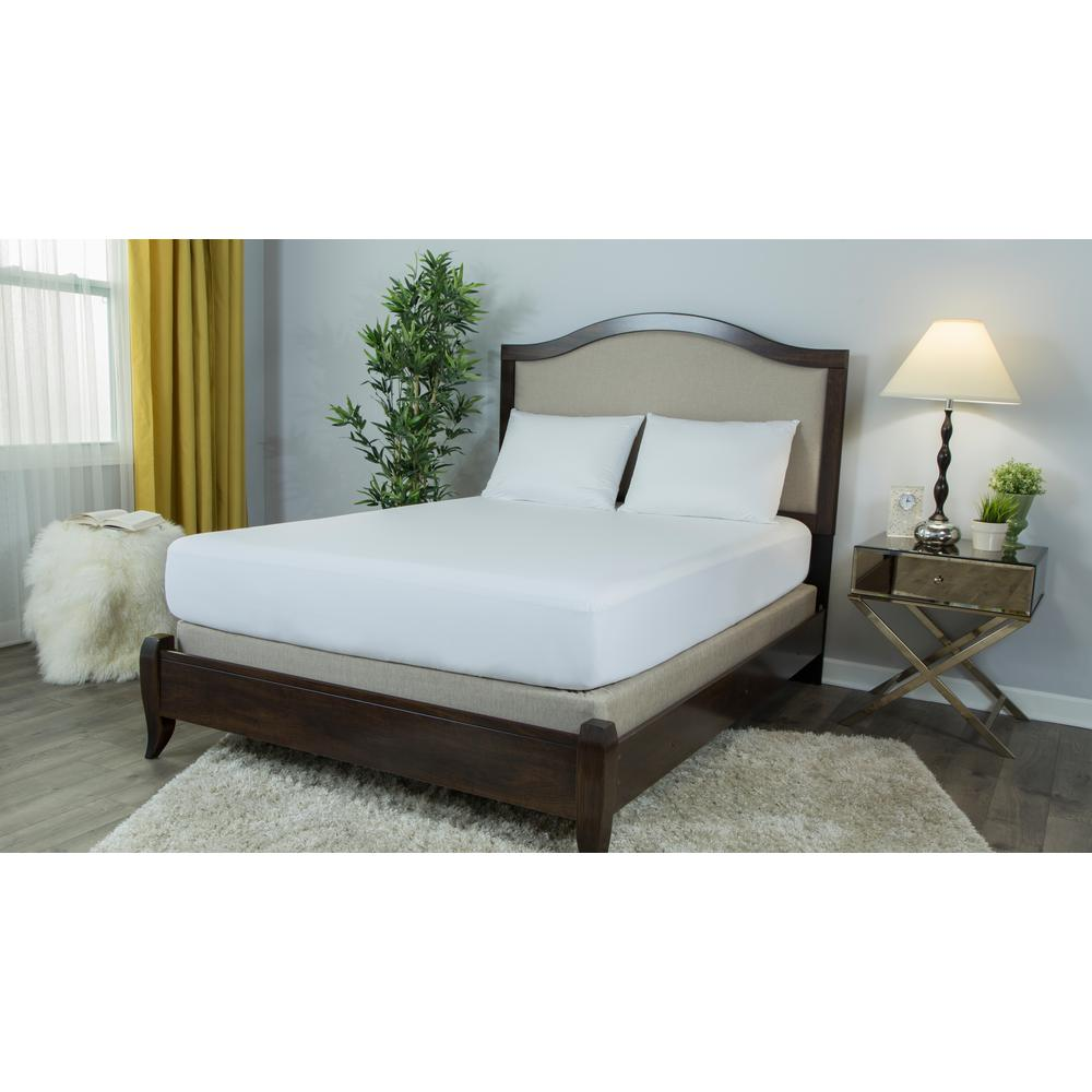 Basic Smooth Polyester King Mattress Protector