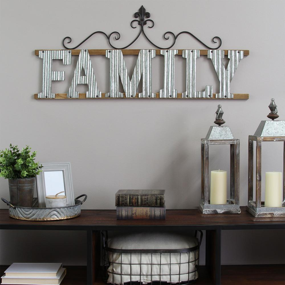 "Family Home Decor: Stratton Home Decor ""Family"" Wall Sign-S11553"