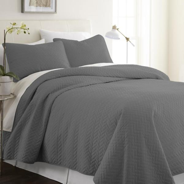 Becky Cameron Herring Gray Queen Performance Quilted Coverlet Set IEH-QLT-HE-Q-GR