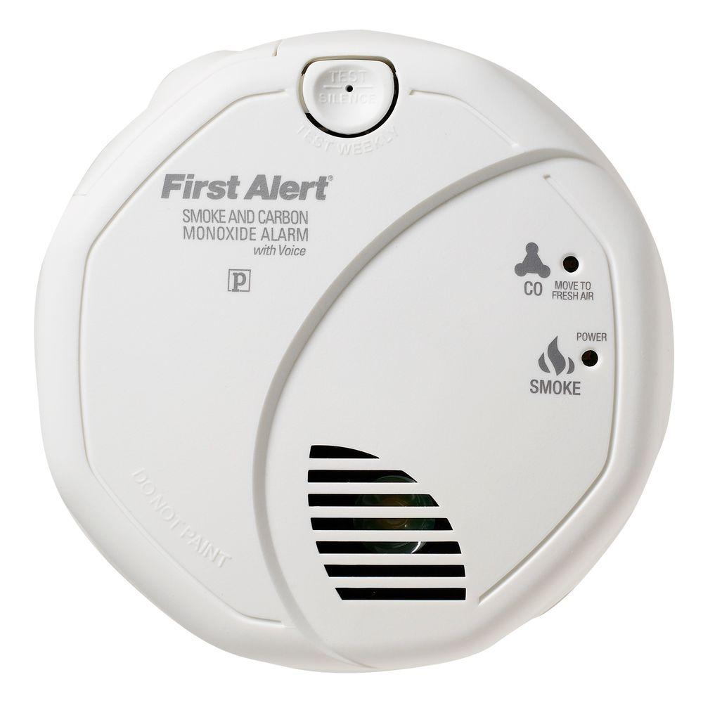 First Alert Battery Operated Smoke and Carbon Monoxide Alarm Detector with Voice Alert