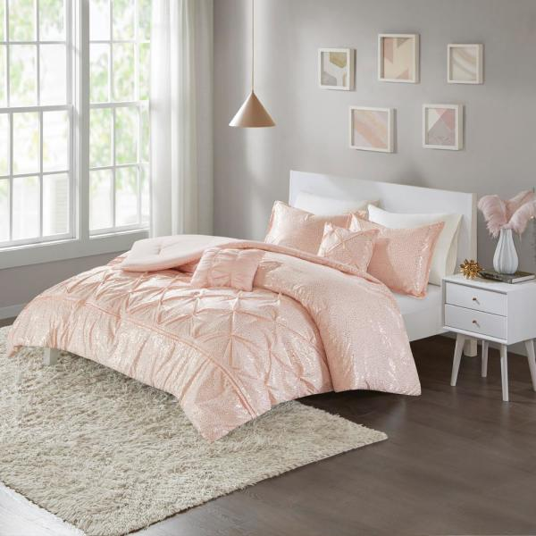 Intelligent Design Everly 4 Piece Blush Gold Twin Comforter Set