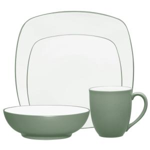 Colorwave 4-Piece Green Square Dinnerware Set